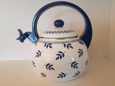 Villeroy & Boch Kaffe / tekjele som plystrer. | FINN.no Fine Porcelain, Kettle, Kitchen Appliances, Diy Kitchen Appliances, Tea Pot, Home Appliances, Boiler, Kitchen Gadgets