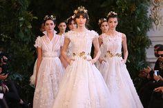 """A coleção """"Nayades"""" de vestidos de noiva do estilista argentino Javier Saiach - ninfas"""