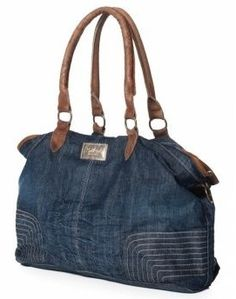 like the style, run some easy rows of top stitching before cutting up denim for purse/tote. Sturdy jump rings inserted in handles. Denim Handbags, Tote Handbags, Jean Purses, Purses And Bags, Sac Lunch, Recycle Jeans, Jeans Material, Recycled Denim, Denim Bag