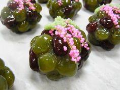 初見草(鹿の子)  秋の上生菓子 和菓子 茶菓子:田町梅月スタッフブログ 今日のおやつはなんだろな。