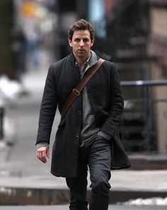 Ok... I admit it!  I have a total crush on Seth Meyers.  Who can beat smart, funny and cute?