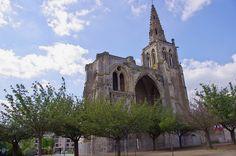 Ruines de la Collégiale St Thomas . Crépy en Valois - Picardie