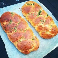 Nydelig ostebrød med smaken av urter.