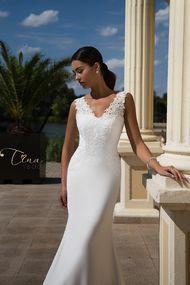 Crepe fabric wedding dress Lirio - Tina Valerdi 2017