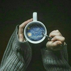 Credit: ArtsyyyAF I love this pin because it seems so simple, but when you look in the cup, it& very complex. I think this is something I& like to try on photoshop with a simple image because it really brings the photo to life. Aesthetic Photo, Aesthetic Pictures, Aesthetic Objects, Artist Aesthetic, Simple Aesthetic, Night Aesthetic, Aesthetic Design, Blue Aesthetic, Vincent Van Gogh