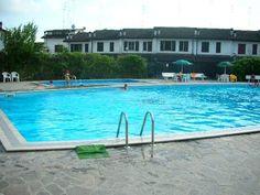 Vendita villetta monolocale al Lido degli Scacchi in residence con piscine. Spazioso giardino privato.SIV102