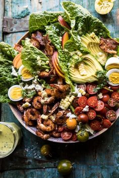 Shrimp Cobb Salad with Jalapeño Corn Vinaigrette Chipotle Shrimp Cobb Salad with Jalapeno Corn Vinaigrette Healthy Salads, Healthy Eating, Healthy Recipes, Healthy Food, Cobb Salad, Seafood Recipes, Dinner Recipes, Dinner Menu, Dinner Ideas