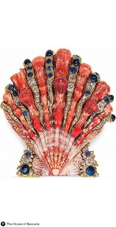 A master of metamorphosis, Sicilian duke-turned-jewelry-designer Fulco di Verdura studded seashells with precious gems, transformed sailor's knots into pearl-encrusted necklaces, and wrapped blazing ruby hearts with braided gold rope. Shell Jewelry, Sea Glass Jewelry, Fine Jewelry, Gems Jewelry, Jewellery, Coco Chanel, Shell Schmuck, Antique Jewelry, Vintage Jewelry