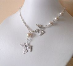 Leaves  Lariat Necklace, Statement Necklace, Pendant, Leaf Pendant. Silver Chain, White pearls, Wedding, Free Shipping