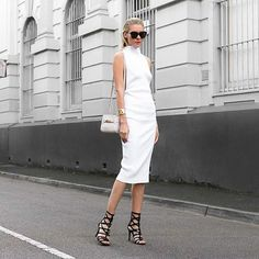 More pretty whites in my life loveee this dress Happy Friday lovelies!  Wearing @third_form @ninewestaus @coach @artelier_mx @karen_walker by thetrendspotter