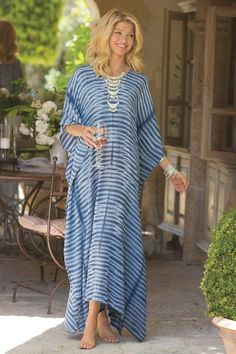 A classical tie-dye technique evokes flowing waves in this easy, exotic, crinkled gauze caftan - a chic celebration of late summer. Hand-dyeing makes each piece a work of art. Abaya Fashion, Fashion Outfits, Emo Outfits, Punk Fashion, Lolita Fashion, Estilo Abaya, Nice Dresses, Casual Dresses, Women's Casual