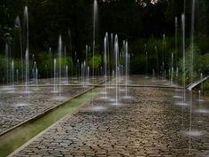 Great, interactive water feature. Pinned to Garden Design - Water Design by Darin Bradbury.