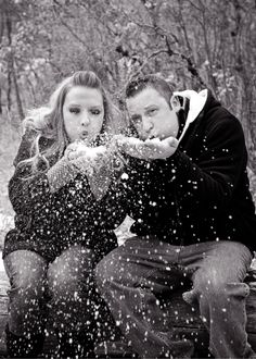 Plum Pretty Photography | Winter Engagement Photos | Colorado Wedding Photography | Snow Engagement Photos | Black & White Photos