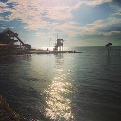 Morning moments. . . . #morning #gold #bridge #sun #csopak #balaton #hungary #beach #water #fivesneakers #travel #memories #moments #travelblog #travelblogger #travelgram #instatravel #instagood #instadaily #iphonephotography