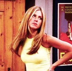 Jennifer Aniston Wasn't Rachel Green In Every 'Friends' Scene & This… Serie Friends, Friends Gif, Friends Moments, Friends Tv Show, Friends Forever, Jennifer Aniston Body, Jennifer Aniston Friends, Rachel Green Friends, Hair Gif