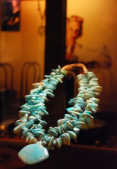 Cerrillos turquoise necklace by Zuni jeweler Leekya Deyuse, c. 1940 (Millicent Rogers Museum, Taos, NM)