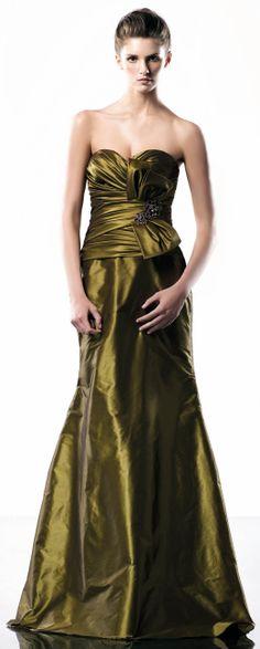 Pretty sweetheart floor-length dress- would be pretty bridesmaid dress. Cute Wedding Dress, Fall Wedding Dresses, Colored Wedding Dresses, Wedding Gowns, Bridesmaid Dresses, Bridesmaids, Wedding Attire, Chic Wedding, Wedding Decor