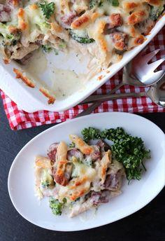 Enkel, krema pølsegrateng - LINDASTUHAUG Pasta, Lasagna, Mashed Potatoes, Nom Nom, Side Dishes, Food And Drink, Dinner, Ethnic Recipes, Foods