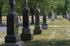 Resurrection Mary haunts this graveyard in suburban Chicago (Justice, Illinois)