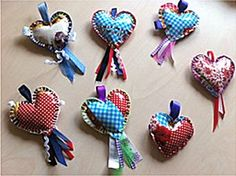 key chain, made out of oilcloth hearts Valentine Day Crafts, Valentines, Denim Crafts, Chicken Scratch, Ribbon Embroidery, Softies, Decoration, Diy For Kids, Diy And Crafts