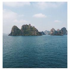 Se réveiller sur la baie d'Along...magique!  #travel #trip #vietnam #baiedalong #patrimoinemondial #paindesucre #jonque  #lovetrotteurs #tripinasie #goodtime #happy #lifestyle #break Vietnam, River, Lifestyle, Instagram Posts, Outdoor, Magic, Outdoors, Rivers, Outdoor Games