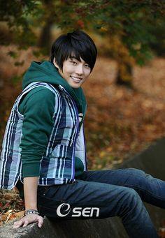 Yoon Shi Yoon