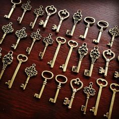 Keys to the World 30 x Large Vintage Keys by thejourneysend Vintage Keys, Bronze, Skeleton Keys, Personalized Items, Antiques, Unique Jewelry, Handmade Gifts, Etsy, Brass