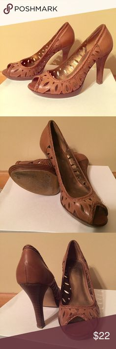 Guess peep-toe brown heels 8.5 Guess peep-toe brown heels 8.5 Guess Shoes Heels