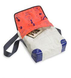 Beflügelt _ SchwimmfügelTasche | Astrid Jansen Sunglasses Case, Bags, Fashion, Repurpose, Handbags, Moda, Fashion Styles, Fashion Illustrations, Bag