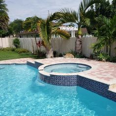 This type of pool cabana is surely an inspirational and ideal idea Pool Mosaic Tiles, Glass Pool Tile, Blue Mosaic, Roman Pool, Florida Pool, Rectangle Pool, Swimming Pool Tiles, Pool Water Features, Pool Colors