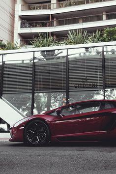 auerr:  Lamborghini Aventador  I do love this colour…
