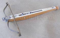 img - 16thc latchet bow