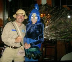 Cool Zoo Keeper and Peacock Couple Costume Peacock Halloween Costume, Most Creative Halloween Costumes, Halloween Crafts For Toddlers, Toddler Halloween, Couple Halloween Costumes, Halloween 2018, Halloween Stuff, Halloween Ideas, Homemade Costumes