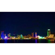 【iraksyff】さんのInstagramをピンしています。 《大阪 🔜 神戸 初めて神戸に来た、あの日から13年🌉 . . #夜景 #神戸 #兵庫県 #デート #モザイク #ハーバーランド #ハーバーウォーク #高浜岸壁 #ポートタワー #海 #nightview #kobe #夜景 #instajapan #gn #カメラ #写真好きな人と繋がりたい #一眼レフ》