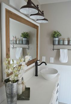 Rustic Small Bathroom Remodel Ideas (26)