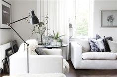 black & white living room // photo by DANIELA WITTE