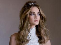 Peinado novia pelo suelto con de diadema
