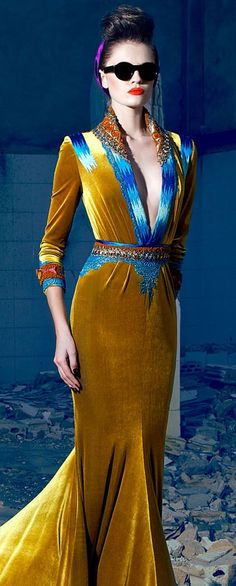 This is a dress for a modern day Princess! Gold velvet with brilliant peacock teal satin trim. Nicolas Jebran Couture Fashion and Designer Style Style Haute Couture, Couture Fashion, Runway Fashion, Womens Fashion, Couture 2015, Look Fashion, High Fashion, Fashion Design, Fashion Clothes