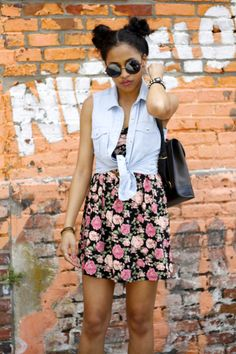 90s look - denim and florals