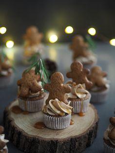 Perníkové cupcakes se skořicovým krémem   Máma peče doma
