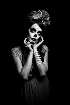 30 Breathtaking Catrina Halloween Makeup Ideas – Candle Making Day Of Dead, Day Of The Dead Girl, Sugar Skull Girl, Sugar Skull Makeup, Sugar Skulls, Candy Skulls, Maquillage Halloween, Halloween Makeup, Halloween Fotografie