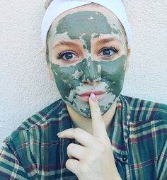 Your skincare secret is safe with us @jillianperih 👆🏻Happy Saturday Muddy Babes! 💋Which Muddy mask are you using today?! 👇🏻#Saturday #getclean #getmuddy #muddybody