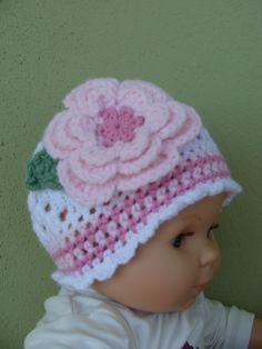 3c638053cd0 Bonnet bébé crochet blanc-rose en coton   Mode Bébé par danielaine-tricots-