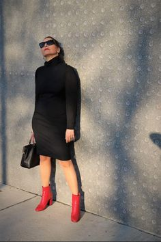 It is considered the necessary piece in every wardrobe:The black dress...