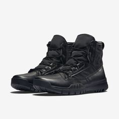 "The Nike SFB Field 6"" Men's Boot features breathable canvas and a dynamic lacing system for ultra-lightweight comfort and lockdown. The outsole is equipped with an aggressive traction pattern and internal rock shield for multi-surface grip and puncture protection."