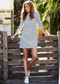 striped dress with sneakers… Not crazy about thin dizzy stripes but drawn to the dress type/shape with those shoes. striped dress with sneakers… Not crazy about thin dizzy stripes but… Fall Outfits, Casual Outfits, Cute Outfits, Casual Shoes, Dress Outfits, Outfits 2014, Dress Shoes, Girly Outfits, Tee Dress