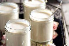 Recette de yaourt au varoma au Thermomix TM31 ou TM5. Préparez ce dessert en mode étape par étape comme sur votre Thermomix !