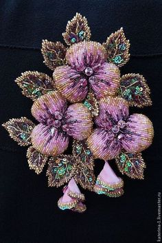 Брошь ЛЕТНЯЯ АКВАРЕЛЬ. Handmade. #embroidery #beadart. This is a beautiful beadwork piece - I love it! Curleytop1.