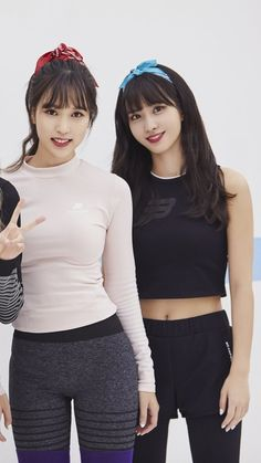 Mina and Momo of Twice. Nayeon, South Korean Girls, Korean Girl Groups, Twice Chaeyoung, Warner Music, Sana Momo, Jihyo Twice, Divas, Kpop Couples