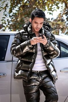 Prepare For Cold Day's! Nylons, Leather Fashion, Leather Men, Leather Jacket, Mode Masculine, Culotte Pvc, Hot Asian Men, Winter Suit, Leather